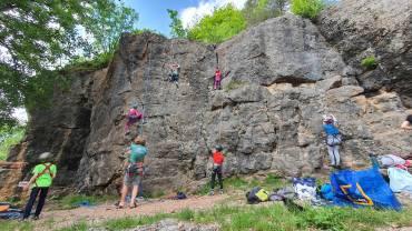 Pomladansko plezanje v Kamnitniku